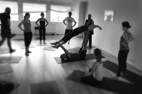 Acro Yoga Warsztat Mirek Kozłowski