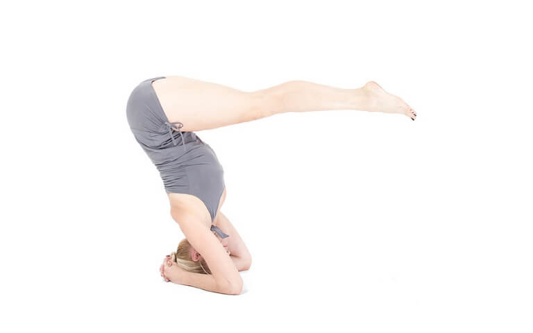 joga na mięśnie brzucha Urdhva Dandasana
