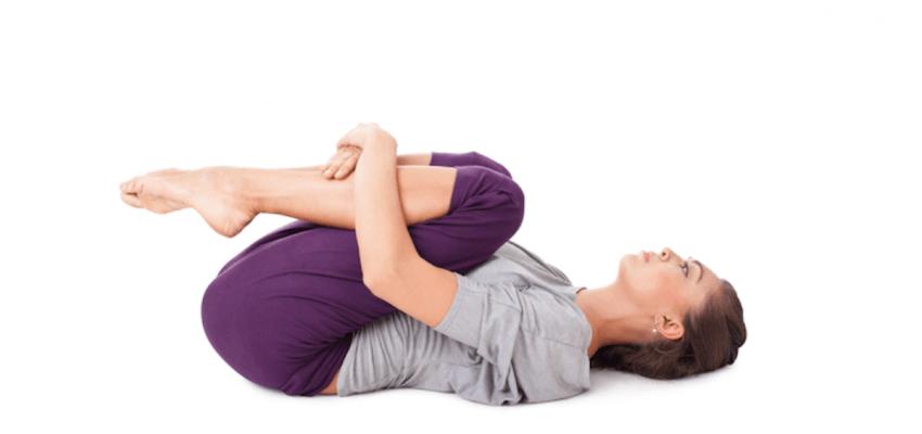 Pavanamukthasana (Pozycja Uwalniająca Wiatr) wzmacnianie mięśni brzucha