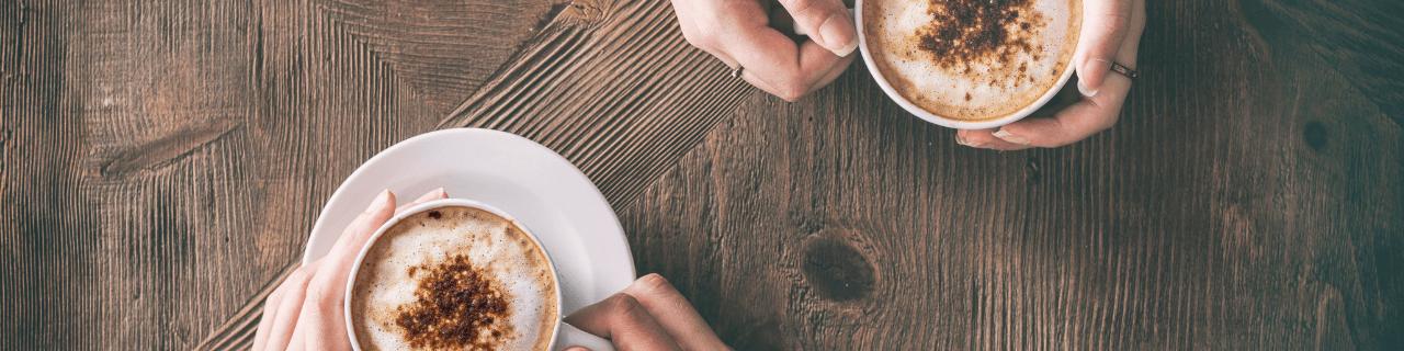 picie kawy apraktyka jogi